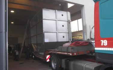 Storage silos and unscramblers